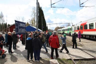 mielenosoitus haukivuori juna-asema (56) (Custom)